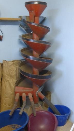 Le trieur hélicoïdale est un genre de toboggan à graines